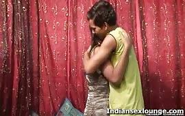 रीता को उसके फ्रेंड ने चोदा