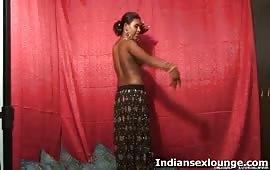 भाभी ने किया नंगा नाच