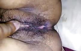 पति के दोस्त ने मेरी चूत ऐसे मारी की पानी निकाल दिया